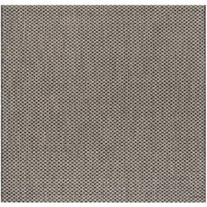 Approximate Rug Size (ft.): 4 X 4