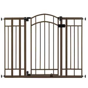 Swinging Gate: Yes