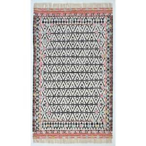 Approximate Rug Size (ft.): 5 X 9