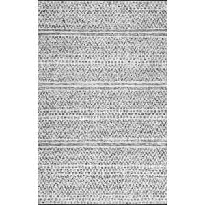 Approximate Rug Size (ft.): 9 X 11