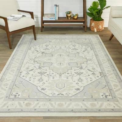 Lovold Ivory 8 ft. x 10 ft. Oriental Medallion Area Rug
