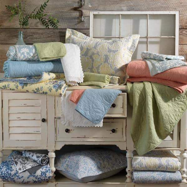 Laura Ashley Kenna 3 Piece Cornflower Yellow Floral Cotton King Quilt Set 225719 The Home Depot