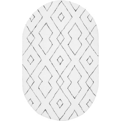 Beaulah Modern Geometric Shag White 5 ft. x 8 ft. Oval Rug