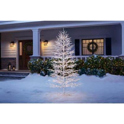 7 ft 500-Light LED White Tree with Berries