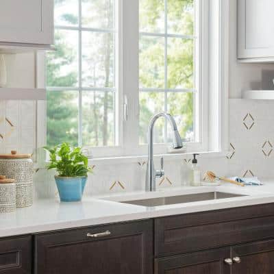Fairbury 2S Single-Handle Pull-Down Sprayer Kitchen Faucet in Polished Chrome