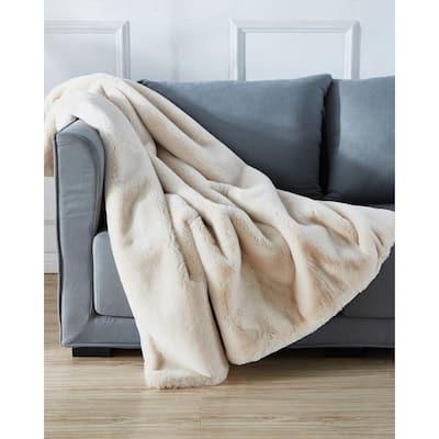"""Cassilda Luxury Chinchilla Faux Fur Throw Blanket (50"""" x 60"""")"""