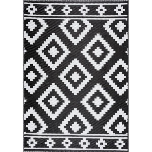 Milan Black And White 8 Ft X 10, Plastic Outdoor Rug