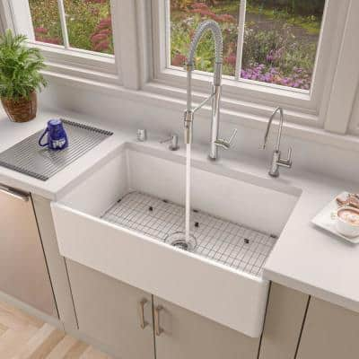 Smooth Farmhouse Apron Fireclay 33 in. Single Basin Kitchen Sink in White