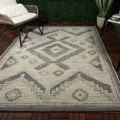 Sheffield White 8 ft. x 10 ft. Global-Inspired Indoor/Outdoor Area Rug