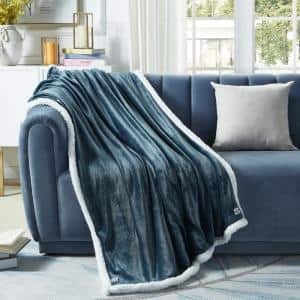 Orville Hunter Green Throw Super Soft 100% Polyester 50 in. x 60 in.