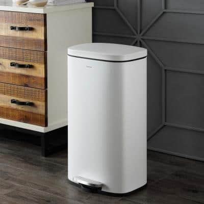 Curtis 8 Gal. Step-Open Trash Can with White