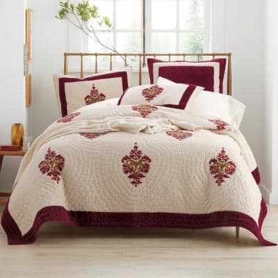 Orleans Multicolored Geometric Textured Cotton Blend King Quilt