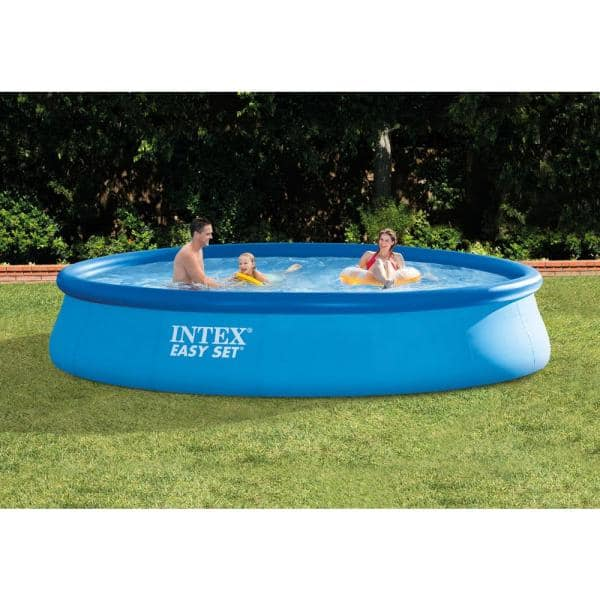 Intex 15 Ft X 33 In Round Above Ground Swimming Pool Filter Pump And Vinyl Solar Cover 28157eh 29023e The Home Depot
