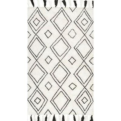 Lisha Moroccan Diamond Tassel Ivory 5 ft. x 8 ft. Area Rug