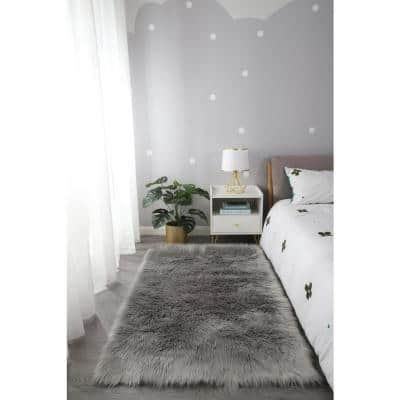 """""""Cozy Collection"""" 5x7 Ultra Soft Light Gray Fluffy Faux Fur Sheepskin Area Rug"""