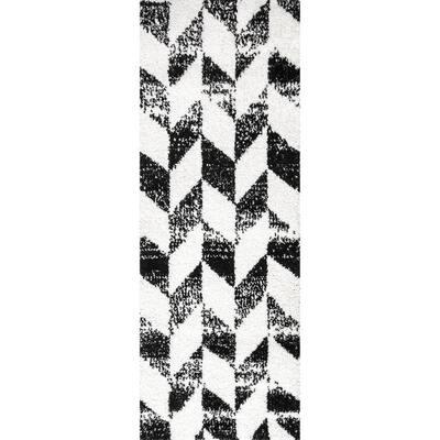 Avery Herringbone Cozy Shag Black and White 2 ft. 6 in. x 6 ft. Indoor Runner