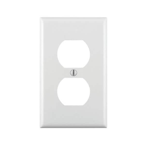 Leviton White 1 Gang Duplex Outlet Wall Plate 1 Pack 80703 W The Home Depot