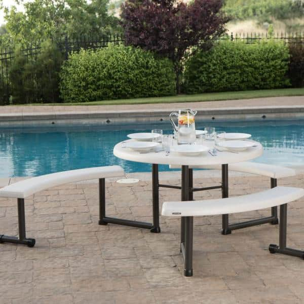 Round Folding Picnic Table 260205, Lifetime 44 Round Picnic Table