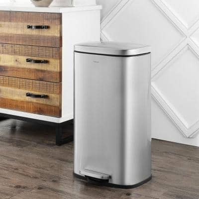 Curtis 8 Gal. Chrome Step-Open Trash Can
