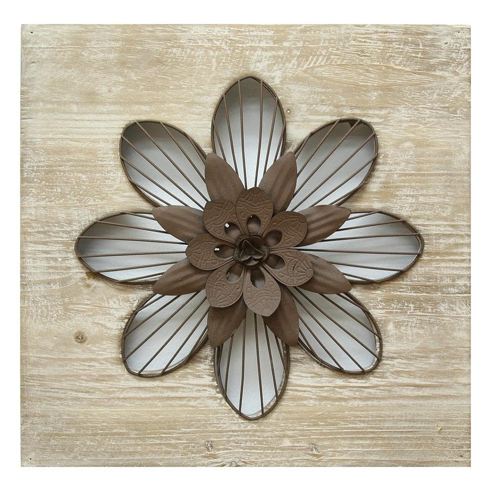 Homeroots Victoria Distressed Flower Wood Wall Decor W Metal Floral Centerpiece 321378 The Home Depot