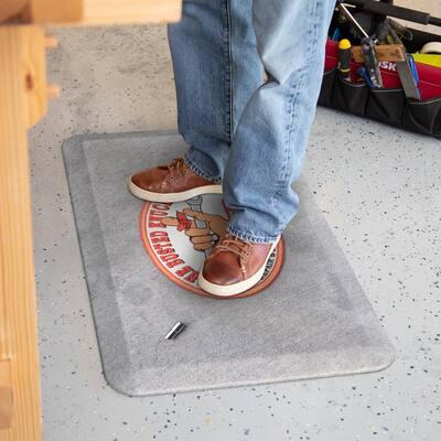Busted Knuckle 10mm Socket 3/4 in. x 20 in. x 32 in. Grey Polyurethane Energy Return Foam Garage Floor Anti-Fatigue Mat