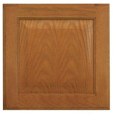 Hampton 14.5 x 14.5 in. Cabinet Door Sample in Medium Oak