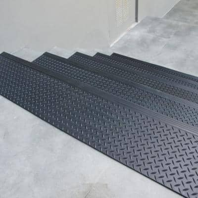 Diamond-Plate Commercial 10 in. x 48 in. Step Mat (6-Pack)
