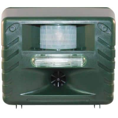 Yard Sentinel Strobe, Ultimate Ultrasonic Nighttime Animal Pest Repeller with Strobe Light