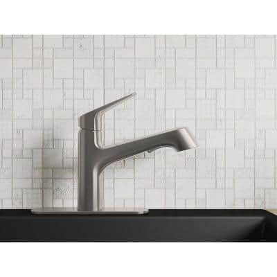 Vin Single-Handle Pull-Out Sprayer Kitchen Faucet in Vibrant Stainless
