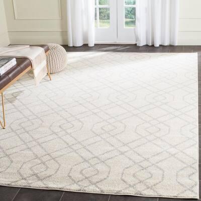 Amherst Ivory/Light Gray 8 ft. x 10 ft. Geometric Interlock Area Rug