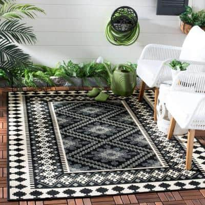 Veranda Black/Cream 4 ft. x 4 ft. Aztec Geometric Indoor/Outdoor Square Area Rug