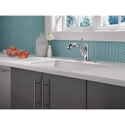 Grant Single-Handle Pull-Out Sprayer Kitchen Faucet in Chrome