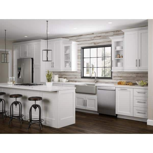 Home Decorators Collection Newport Assembled 24x34 5x24 In Plywood Shaker 3 Drawer Base Kitchen Cabinet Soft Close Drawers In Painted Pacific White Bd24 Npw The Home Depot
