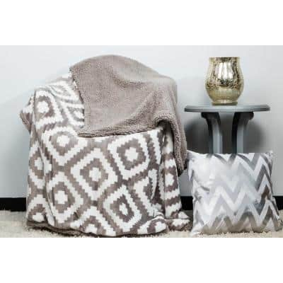 Christie White Backing 50 in. W x 60 in. L Drizzle Sherpa Throw