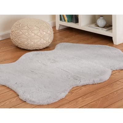 Bazaar Piper Grey Sheepskin 3 ft. x 5 ft. Solid Polyester Area Rug
