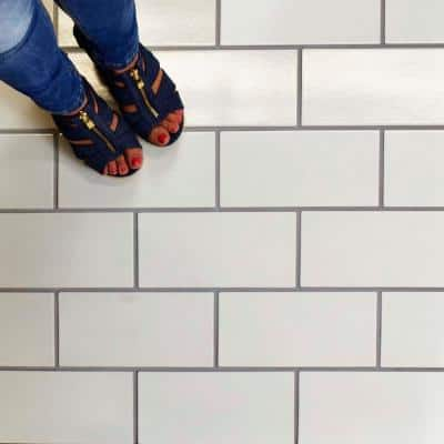 Piscina Brick Blanco Brillo 4-3/4 in. x 9-5/8 in. Porcelain Floor and Wall Subway Tile (11.44 sq. ft. / case)