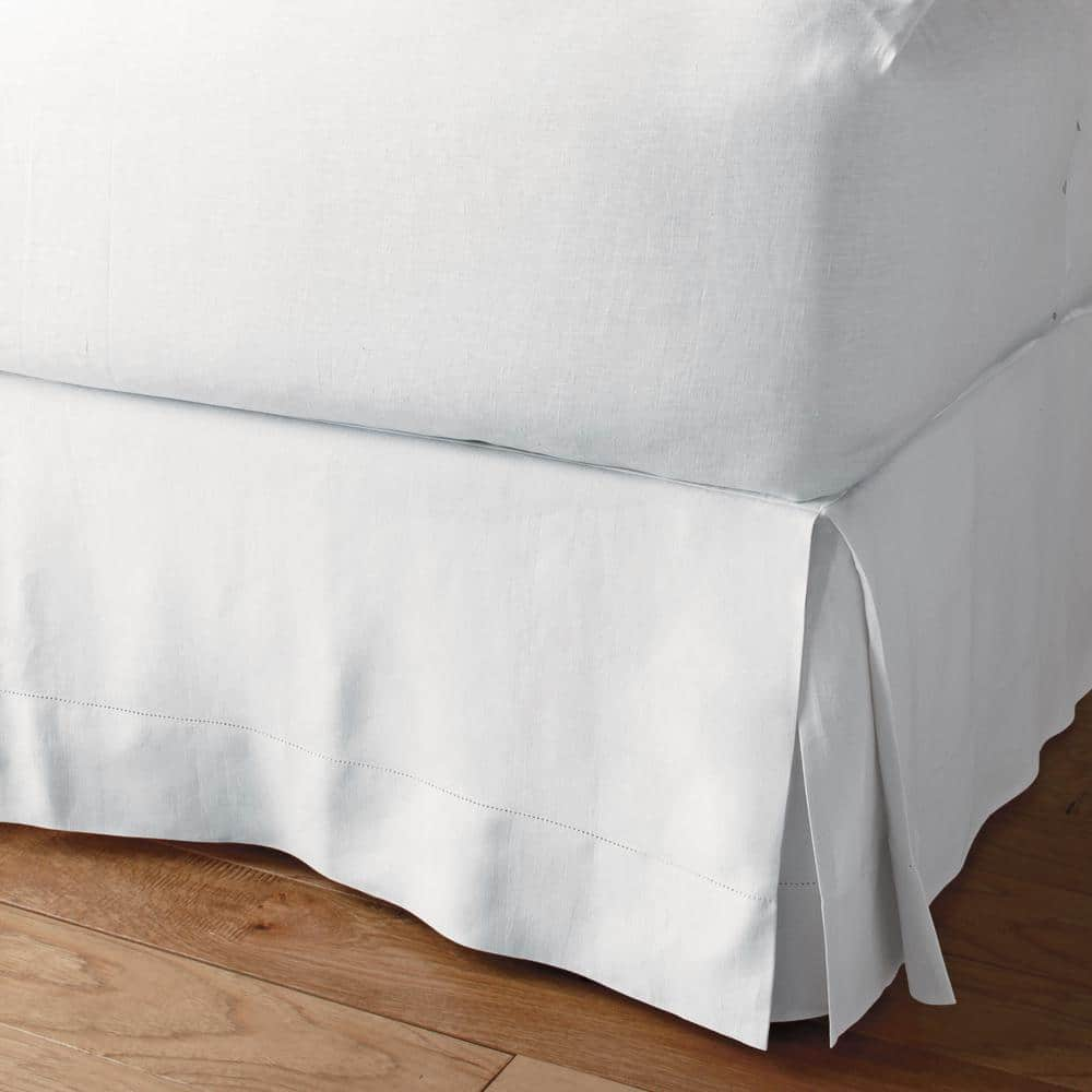 Mayfair Linen 800 Thread Count 100/% Cotton Queen Bed Skirt to Match Your Bedding Pleated Model for Classy Look Grey