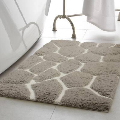 Super Plush Light Gray/White 17 in. x 24 in. Pebble Microfiber Bath Rug