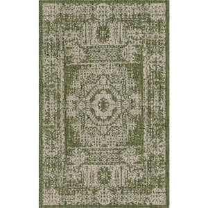 Green Timeworn Outdoor 5 ft. x 8 ft. Area Rug