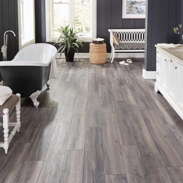 Eir Waveford Gray Oak 12 Mm, Weathered Gray Laminate Flooring