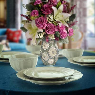 Ultra 12-Piece Casual Mint Ceramic Dinnerware Set (Service for 4)
