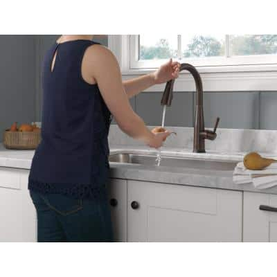 Essa Touch2O Technology Single-Handle Pull-Down Sprayer Kitchen Faucet with MagnaTite Docking in Venetian Bronze