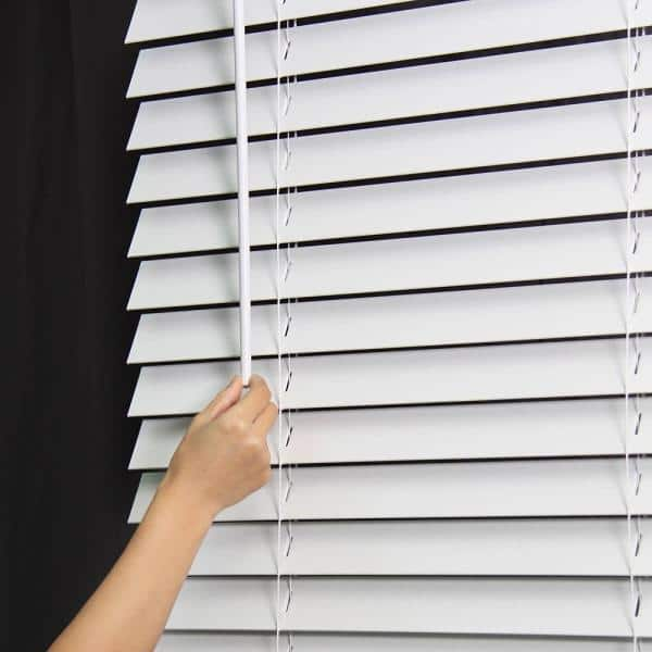 Perfect Lift Window Treatment Cut To Width White 2in Cordless Faux Wood Blind 48in W X 48in L Actual Size 48in W X 48in L Qjwt480480 The Home Depot