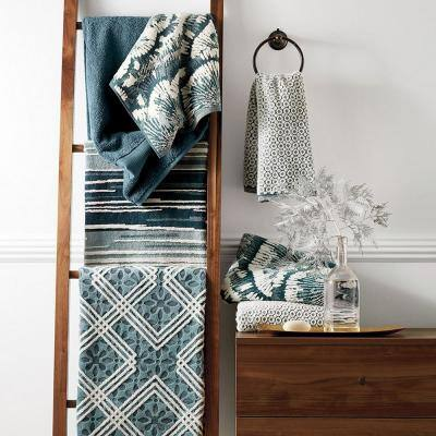 Geo Jacquard Reversible Cotton Bath Towel