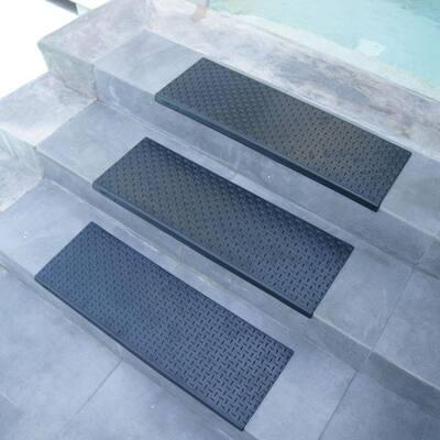 "Rubber-Cal ""Diamond-Plate"" Non-Slip Rubber Tread Stair Mats (6 Pack), Black"