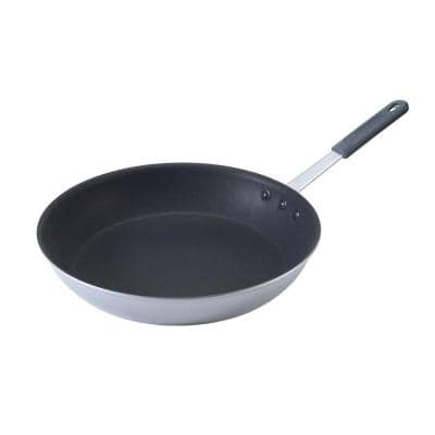 Nordic Ware Restaurant 10 In Aluminum Nonstick Skillet In Silver 21060m The Home Depot
