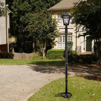 Baytown II Bulb Black Resin Solar Warm-White Outdoor Integrated LED Post Light and Lamp Post with EZ-Anchor Base