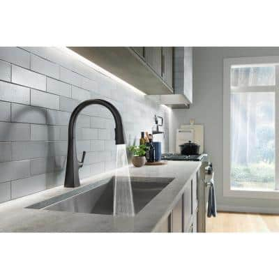 Graze Single-Handle Pull-Down Sprayer Kitchen Faucet with 3-Function Sprayhead in Matte Black
