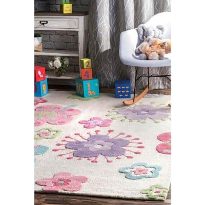 Floral Nursery Playmat Off White 7 ft. x 9 ft. Area Rug