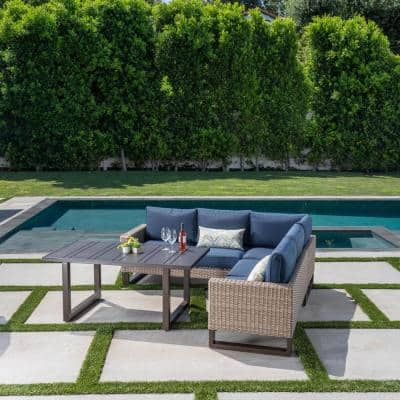 Park Heights 4-Piece Wicker Outdoor Patio Sectional with Navy Cushions